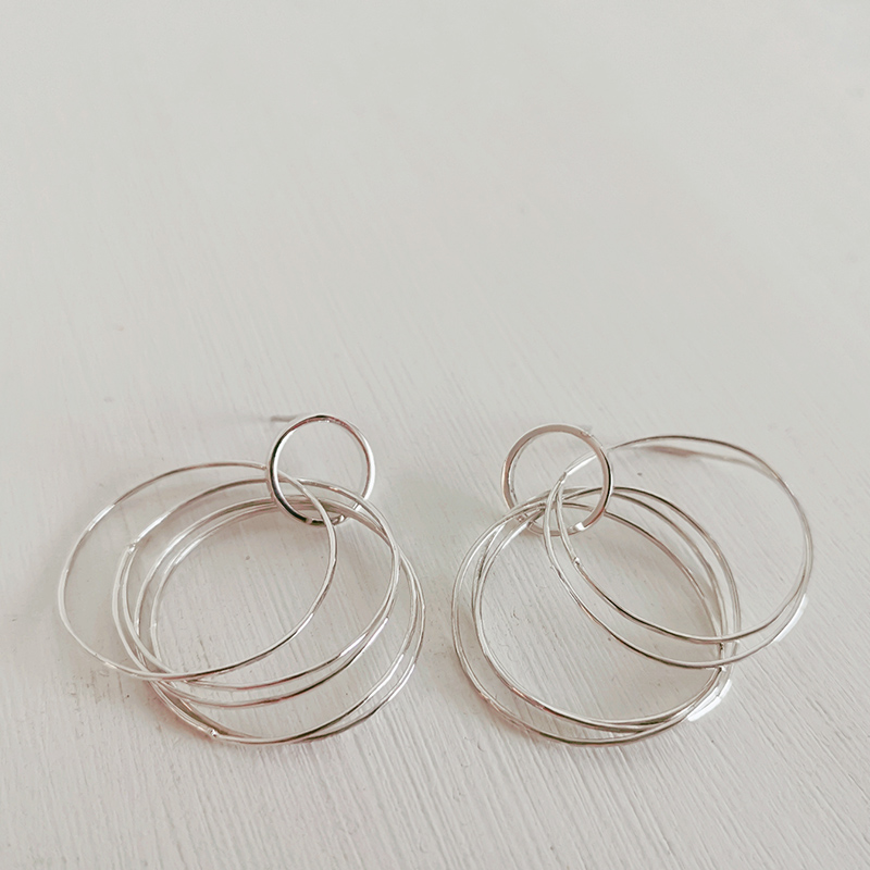 Fem Hoop Earrings