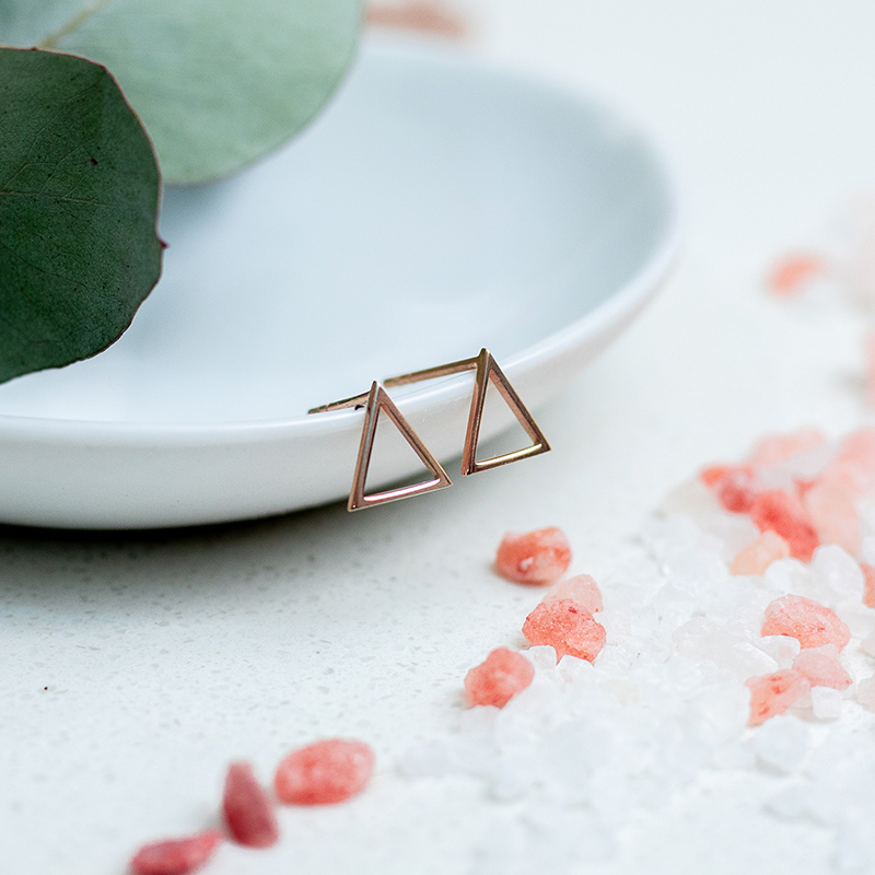 Triangular Studs